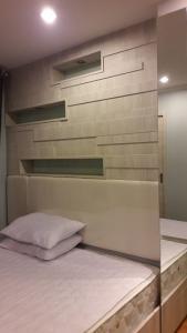 For RentCondoRama9, Petchburi, RCA : Urgent for rent Lumpini Park Rama 9 Rca room 26 sq m, 4th floor, building B, built room, price 9,500 baht