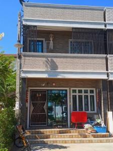 For SaleTownhouseRama 2, Bang Khun Thian : 3-storey townhome for sale, Prachasuk Lake and Mall Village, behind Big C Rama 2
