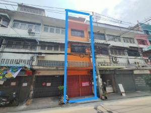 ขายตึกแถว อาคารพาณิชย์ท่าพระ ตลาดพลู : ขายอาคารพาณิชย์ 4.5 ชั้น ซอยจรัญสนิทวงศ์ 12  ใกล้สถานี MRT จรัญฯ 13 ห่างจากปากซอยจรัญฯ 12 เพียง 50 ม. ทำเลดีมาก พร้อมใช้งานเหมาะสำหรับทำการค้าและพักอาศัย ราคาถูกต่อรองได้
