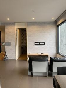 เช่าคอนโดลาดพร้าว เซ็นทรัลลาดพร้าว : Condo for Rent!! M Ladprao (เอ็ม ลาดพร้าว) 2 Bedrooms 2 Bathrooms Hot Deal!!!!!