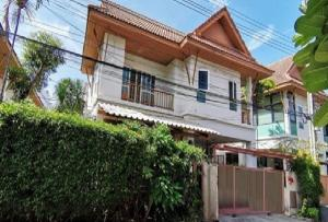For RentHouseKaset Nawamin,Ladplakao : For Rent 2-storey house for rent at Pitchanan Village Soi Sukonthasawat 14, Ladprao 71, beautiful house, resort style. Partly furniture, 5 air conditioners