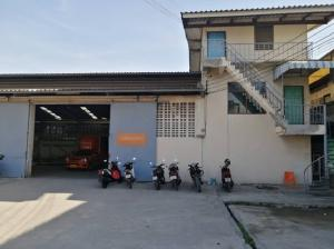 For RentFactoryRathburana, Suksawat : For Rent With accommodation, 800 square meters area, good condition, Suksawat Road, Phra Pradaeng, not deep in the alley, good location, large cars can be in and out