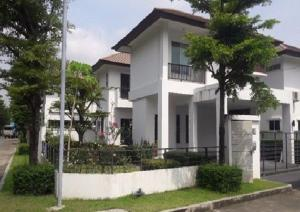 For RentHousePattanakan, Srinakarin : For Rent 2-storey house for rent, Nirvana Village, Rama IX, Soi Krungthep Kreetha, 32 buildings, near the Airport Link, Baan Thap Chang, very beautiful house, fully furnished, 5 air conditioners, residential only Pets are not allowed.