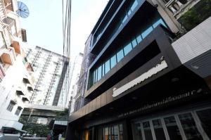 เช่าสำนักงานสะพานควาย จตุจักร : ห้เช่าอาคารสำนักงาน 6 ชั้น 3 คูหา พื้นที่รวม 780 ตารางเมตร แอร์ทั้งอาคาร ติด BTS สะพานควาย