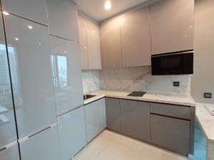 For RentCondoRama9, RCA, Petchaburi : 2266-A😊 For RENT 1 bedroom for rent 🚄 near BTS Asoke 🏢 The Esse at Singha Complex The Esse at Singha Complex 🔔 Area: 35.42 sq.m. 💲 Rent: 25,000 ฿ 📞O86-454O477, O99-5919653 ✅LineID: @sureresidence