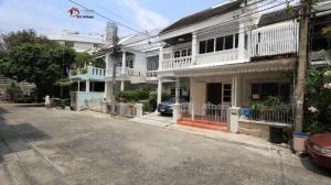 For RentTownhouseSukhumvit, Asoke, Thonglor : 2 storey townhouse for rent, Sukhumvit, Garden City. Soi Sukhumvit 79, near BTS On Nut, near BTS On Nut, only 250 meters.