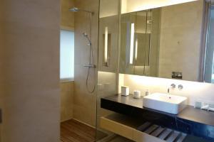 For SaleCondoSilom, Saladaeng, Bangrak : Sale / Rent Urgent !! 2 bedrooms Saladaeng Residences near MRT Saladaeng.