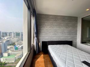 For SaleCondoRatchathewi,Phayathai : Sale/for sale M Phayathai condo 1 bed 1bath 49 sqm. Negotiable price.