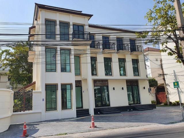 For RentShophouseYothinpattana,CDC : ให้เช่าอาคารพาณิชย์ใหม่2คูหา 3.5 ชั้น ใกล้เลียบด่วน ย่านทาวน์อินทาวน์