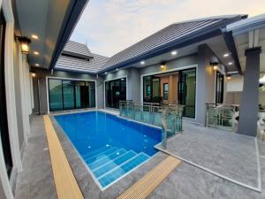 For SaleHouseHua Hin, Prachuap Khiri Khan, Pran Buri : House with pool, Hua Hin Soi 8, in the center of Hua Hin city, near the sea 5 minutes