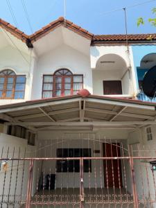 For SaleTownhouseKaset Nawamin,Ladplakao : Townhome for sale Lat Pla Khao (Soi Lat Pla Khao 83)