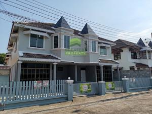 ขายบ้านบางใหญ่ บางบัวทอง ไทรน้อย : ขาย /ให้เช่า ด่วน หมู่บ้าน คันทรีอินทาวน์ ท่าอิฐ ไทรม้า บ้านแฝด 2 ชั้น เนื้อที่ 35 ตร.ว ถนนรัตนาธิเบศร์ เมืองนนทบุรี รีโนเวทใหม่ทั้งหลัง สวย พร้อมเฟอร์ฯ หิ้วกระเป๋าอยู่ได้เลย