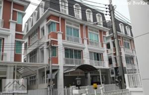 For SaleTownhouseRatchadapisek, Huaikwang, Suttisan : New 4-storey townhome for sale with elevators, Kesini Ville Village, Pracha Uthit Huai Khwang, Meng Chai intersection, near Nana Khati KIS.