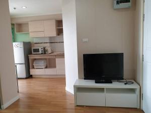 For RentCondoKhlongtoei, Kluaynamthai : Urgent for rent, LPN Place, Rama 4, Kluaynamthai, room 28 sq.m., 17th floor, pool view, price 9,500 baht.