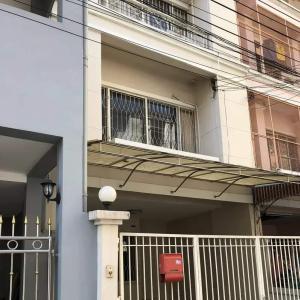 For RentTownhouseSukhumvit, Asoke, Thonglor : Townhouse for rent on Sukhumvit 101/1 Road, Soi Wachiratham Sathit 8 Tham