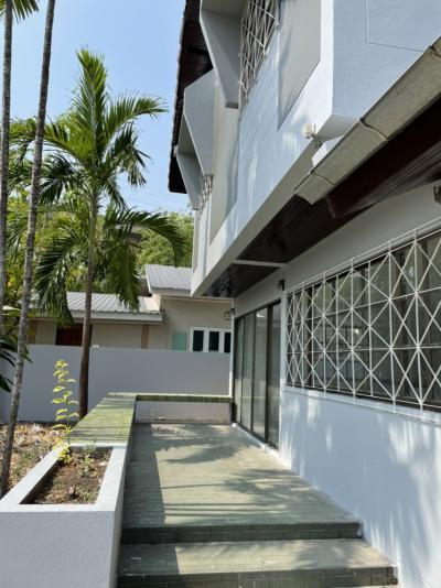 For RentHouseSilom, Saladaeng, Bangrak : 2 storey detached house for rent, newly renovated, Ramkhamhaeng area Near ARL Ramkhamhaeng Near Khlong Tan Intersection