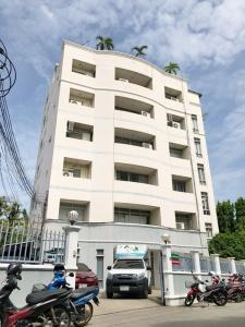 เช่าสำนักงานรัชดา ห้วยขวาง : ให้เช่า อาคารสำนักงานทั้งตึก 6 ชั้น ที่จอดรถ 30 คัน รัชดา-สุทธิสาร ใกล้ MRT สุทธิสาร 500 ม.