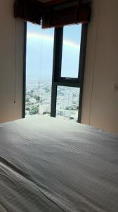 เช่าคอนโดอ่อนนุช อุดมสุข : ปล่อยเช่าคอนโด Wizdom Connect Sukhumvit 3 ห้องนอน ชั้น 39 เฟอร์ครบครัน ใกล้ BTS ปุณณวิถี