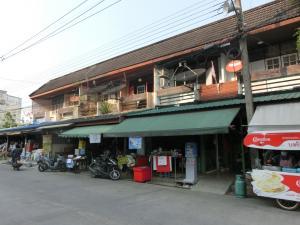 For SaleShophouseRamkhamhaeng,Min Buri, Romklao : Commercial building for sale Tarakorn Village, Ramkhamhaeng 166, Minburi, Bangkok 10510