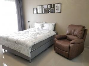 เช่าคอนโดพระราม 9 เพชรบุรีตัดใหม่ : ห้องสวย ย่านพระราม 9 RCA  พร้อมอยู่กลางเมษายน 7500 บาท