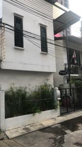 For SaleHome OfficeSukhumvit, Asoke, Thonglor : House for sale Home office Ekkamai soi 2 Price 18,000,000 Mb.