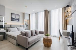 For RentCondoWitthayu,Ploenchit  ,Langsuan : (Available) For rent Luxury condo Noble Ploenchit 1 Bedroom size 45 Sqm Private Lift on the high floor, Building C, beautiful view of the building, Ploenchit area, a new room, Fully Furnish, fully furnished.