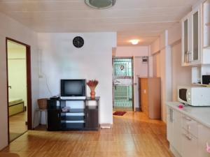 For SaleCondoMin Buri, Romklao : Urgent sale, Niran Residence 8 (Niran Residence 8), large room, 2 bedrooms, size 53 sq m.