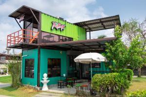 For LongleaseRetailLadkrabang, Suwannaphum Airport : Quick sale! Yum Box (Cafe style restaurant)