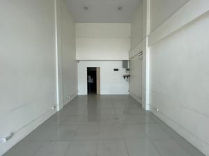 For RentShophouseLadprao 48, Chokchai 4, Ladprao 71 : For rent! Naknichawat commercial building next to the express, new condition, convenient transportation 088-961-7828