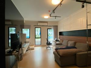 For SaleCondoBangna, Lasalle, Bearing : For sale Unio sukhumvit 72 rooms, Duplex, 2 bedrooms, in front of the pool, 3.99 million.