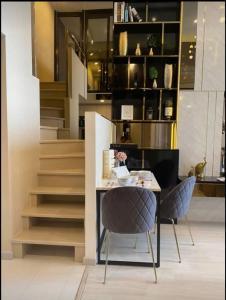 For RentCondoSathorn, Narathiwat : For rent, the last room, Knightbridge Prime Sathorn Condo, Silom zone, room size 45 sqm.