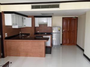 For RentCondoNana, North Nana,Sukhumvit13, Soi Nana : Condo for rent, Omni Tower Sukhumvit Nana, Sukhumvit Soi 4, near BTS Nana station, a little price 12,000.- Size 66 sq m, no cheaper than this.