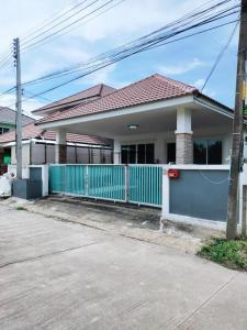 For RentHouseChiang Mai, Chiang Rai : One-storey house for rent in Nong Hoi, near Waree School, 89 Plaza, Chiang Mai, 9,000 baht / month.