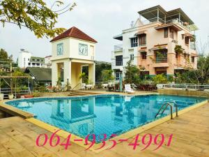 For SaleTownhouseRatchathewi,Phayathai : Urgent sale !! 4-storey townhouse, Green Peace Village (Green Peace), 30.3 sq m. Location in the city, Soi Ari Samphan 2, near BTS Ari only 500 meters.