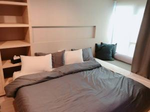 "For RentCondoLadprao, Central Ladprao : M0713 Condo for rent ""Lumpini Park Pinklao"", near Central Pinklao, just 5 minutes on Borommaratchachonnani Road. Near MRT Bang Yi Khan fully furnished"