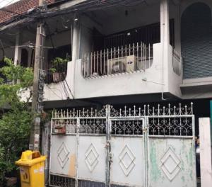 For SaleTownhouseRatchadapisek, Huaikwang, Suttisan : Townhouse for sale in Ratchada, near central Rama 9, Soi Pho Pan, area of 16 sq.w., 2 bedrooms, 1 bathroom.