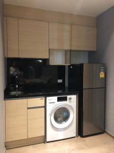 For SaleCondoSukhumvit, Asoke, Thonglor : URGENT SALE: Combined Unit 2 bed/2 baths. 57sqm Fully Furnished. High Floor