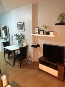 For RentCondoRama9, RCA, Petchaburi : 🔥For Rent8,500💥Studio35ตรม MRT Rama9 ใกล้ๆ มศว เหมาะกับนักศึกษาศรีนครินทรวิโรฒ❣️Studio 1 bedroom 1 bathroom balcony ราคาไม่แพง