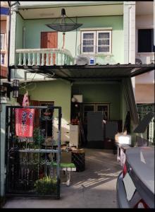 For RentTownhouseRamkhamhaeng,Min Buri, Romklao : 2-storey townhouse for rent, 2 bedrooms, 2 bathrooms, Rungnapa Village 2, Soi Ramkhamhaeng 194, Minburi District