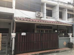For SaleTownhouseRatchadapisek, Huaikwang, Suttisan : OHM054 ขายทาวน์โฮม 2 ชั้น พร้อมเฟอร์ฯบางส่วน ถ.สุทธิสาร ใกล้ MRT สุทธิสาร Central พระรามเก้า