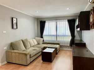For SaleCondoSapankwai,Jatujak : Quick sale!! Condo Lumpini Ville Phahon-Sutthisan (BTS Saphan Khwai) #Brokers are welcomed.