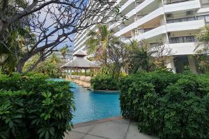 For SaleCondoHua Hin, Prachuap Khiri Khan, Pran Buri : Beachfront condo, Palm Pavilion Hua Hin, Lake View building, room size 80.19 sq m.