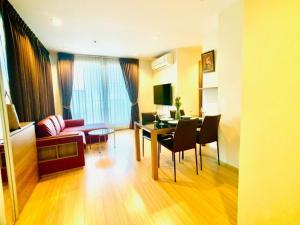 For RentCondoRatchadapisek, Huaikwang, Suttisan : RTL0015 Condo for rent, Rhythm Ratchada-Huai Khwang, next to MRT Huai Khwang, beautiful room, fully furnished, ready to move in.
