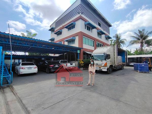 ขายโรงงานราษฎร์บูรณะ สุขสวัสดิ์ : ขายอาคารโรงงาน/โกดังพร้อมที่ดิน 4-1-61 ไร่ พื้นที่ใช้สอยทั้งหมด 6,500 ตร.มหม้อแปลงไฟฟ้า 100 KVA มีใบอนุญาต ร.ง 4  ถนนสุขสวัสดิ์ อำเภอพระสมุทรเจดีย์พร้อมทำกิจการต่อได้เลย มีออฟฟิศพร้อม ถนนสุขสวัสดิ์ พื้นที่สีม่วงชัดเจน