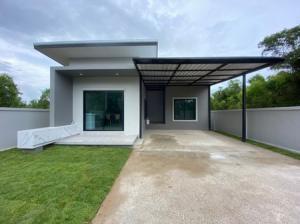 For SaleHouseHatyai Songkhla : Single storey house for sale. Modern style Mooban Pa Villa Home Songkhla - Hat Yai