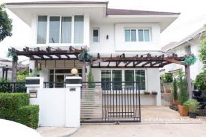 For SaleHouseChengwatana, Muangthong : House for sale Bangkok Boulevard Chaengwattana, fully furnished, very good location, near Central Chaengwattana. Near the train, only 500 meters, interested call 091-6983779 Fai