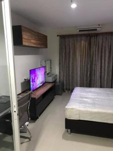 For RentCondoPattanakan, Srinakarin : For rent Asakan Place Srinakarin, near Airport Link Huamark, price 9,500 baht