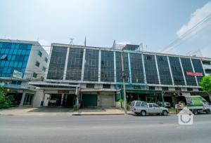ขายตึกแถว อาคารพาณิชย์นวมินทร์ รามอินทรา : ขายอาคารพาณิชย์ 4ชั้นครึ่ง ติดถนนวัชรพล ขนาด 20 ตร.วา ราคา 6 ล้านบาท!