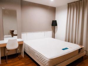 For RentCondoKasetsart, Ratchayothin : For rent, U Ratchayothin 12,000 baht, near BTS Senanikom 3 minutes, price 11,000 baht