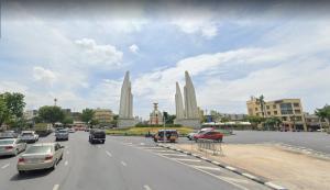 For SaleLandPha Nakorn, Yaowarat : Land for sale in the city center. On Phra Sumen Road